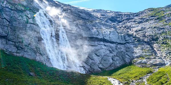 Cascata em Briksdal Noruega